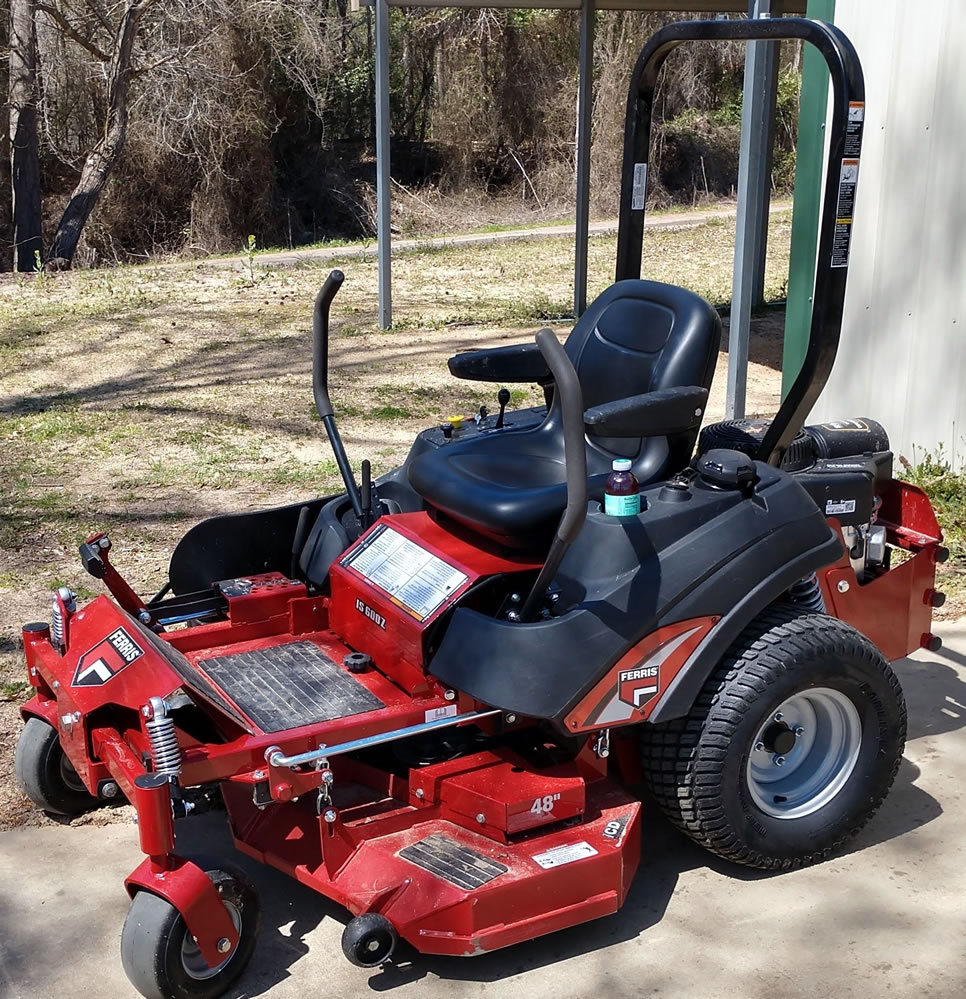 Zero Turn Mower - Connelly Cuttings 75640