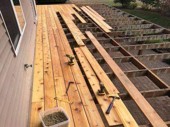 Tight-knot Cedar Deck